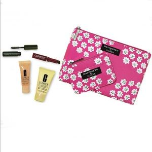 NEW! 6 piece Clinique make up bundle and bag